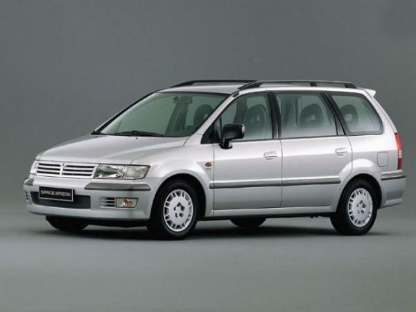 Mitsubishi_Space Wagon