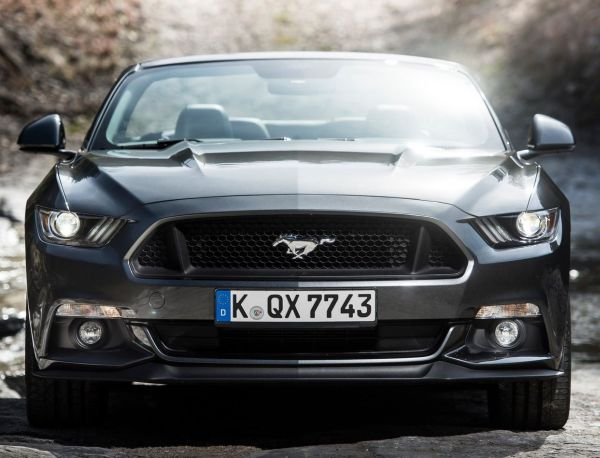 versicherung kosten f r ford mustang convertible 5 0 ti. Black Bedroom Furniture Sets. Home Design Ideas